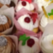Sweetcakes by Bernadette Martin.  Cupcak
