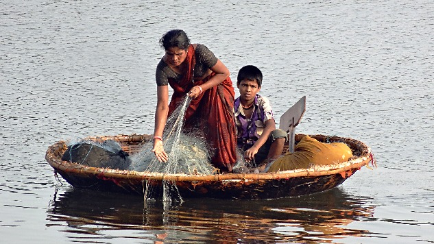 Fishing activity in a coracle (Goa)
