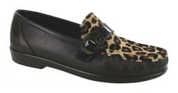 Lara Black/Leopard