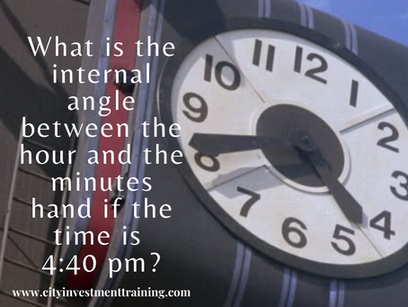 What is the internal angle between the hour and the minutes hand if the time is 4:40 pm?