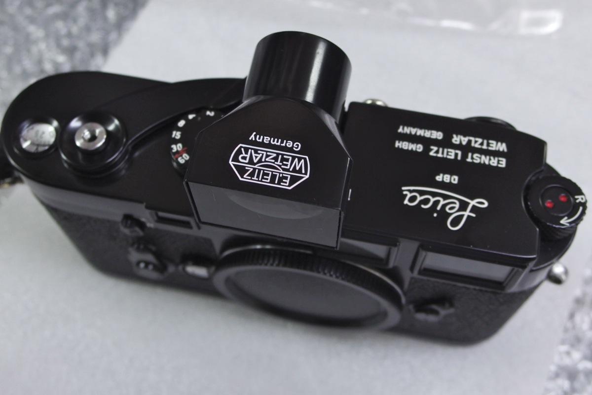 35mmファインダーもブラックに