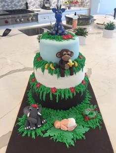 JUNGLE ANNIMAL THEMED SHOWER CAKE
