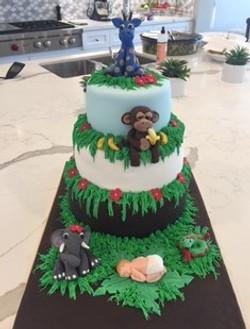 JUNGLE ANNIMAL THEMED SHOWER CAKE