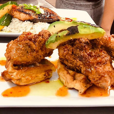 Fried chicken and waffles go together li