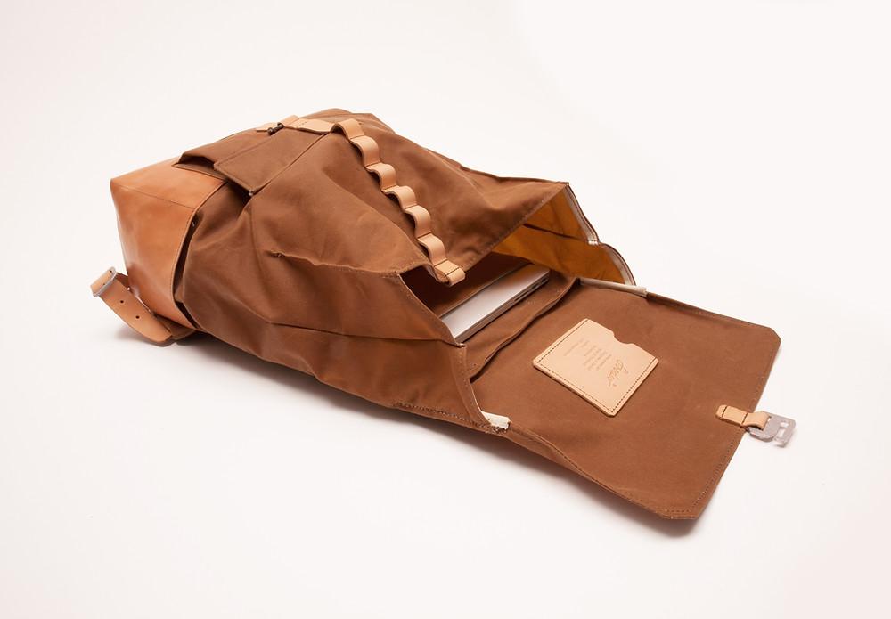 Soeder Backpack, Swiss design, swiss leather, scarlet allenspach