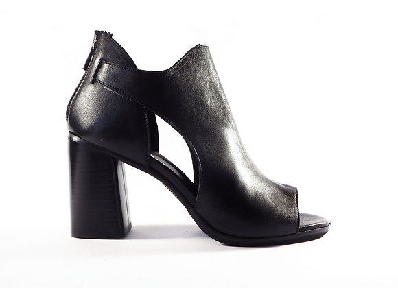 Ankle boot forato