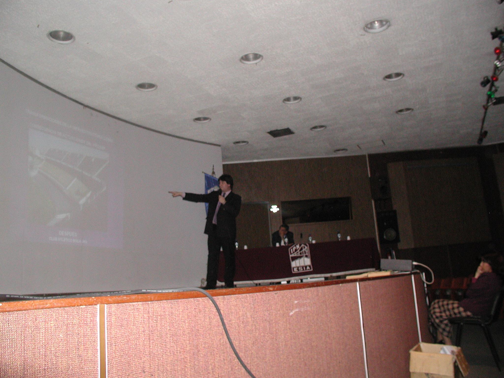 Escuela de Ingeniería Instituto Poli