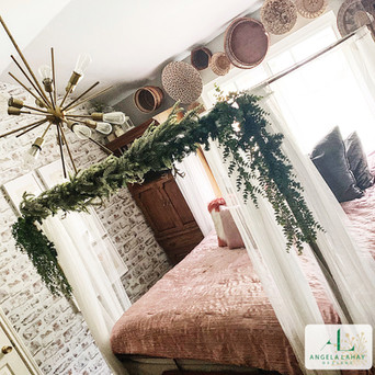 Holiday home decor_bedroom garland.jpg