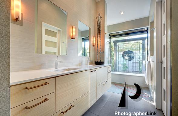 NAR Fine Carpentry, Inc. The Stonybar project Bathroom 1