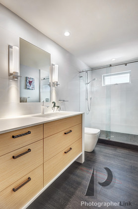 NAR Fine Carpentry, Inc. Lambert Gallery project Bathroom