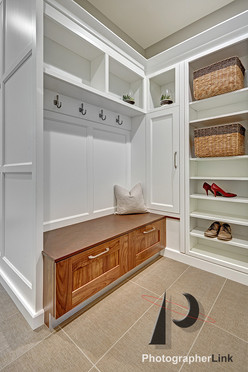 NAR Fine Carpentry, Inc. The Avil Project Mud Room