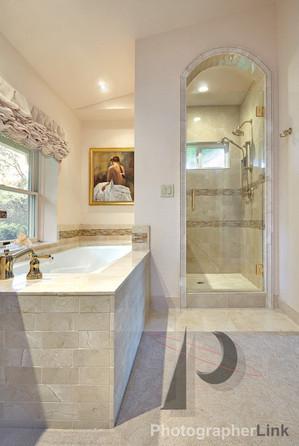 Mercado Construction  Calder-Doheney Project Bathroom Shower and Tub