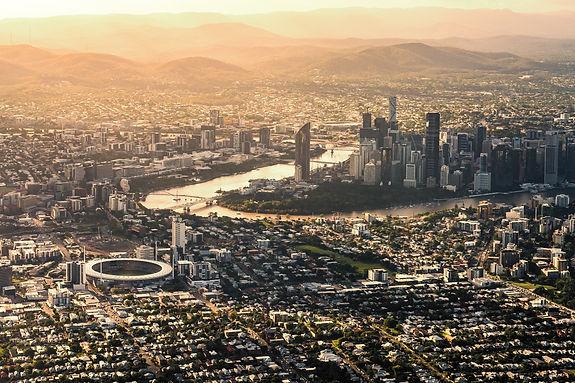 cityscape-australia-brisbane-queensland-down-under-sunshine-state-casting-shadows-from-my-