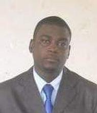 Photo Djibril cravate.jpeg