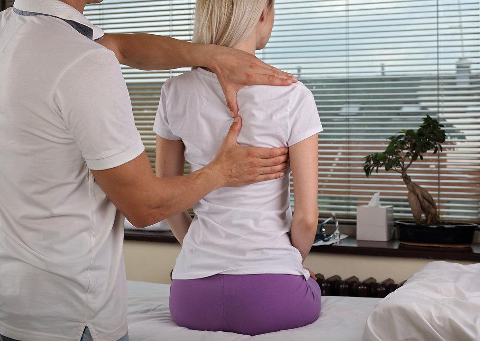 Woman chiropractic.jpg
