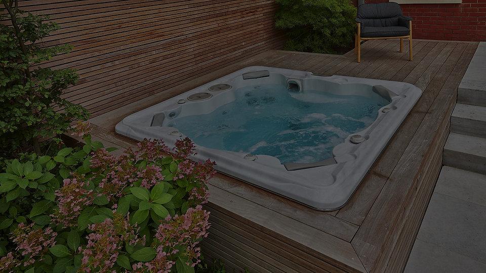 HP20-Hot-Tub-Hello-Summer-Image-2_edited.jpg