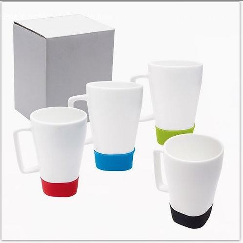 Taza de cerámica blanca con base de silicón. 12 oz  355 ml