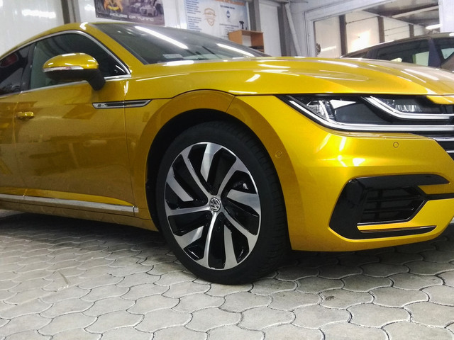 Kolejnym w tym pracowitym tygodniu samochodem, którego gościliśmy w naszym studio był VW Arteon.