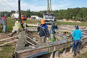 Укладка и вибрирование бетонной смеси