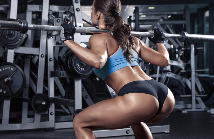 Pratimai sėdmenims - ką rinktis aerobines treniruotes ar treniruoklių salę?