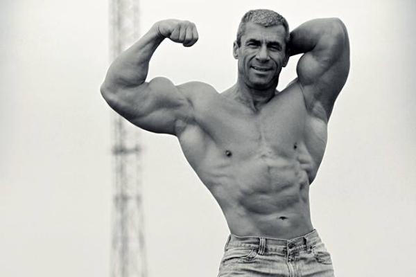 Kiek pakartojimų atlikti, norint padidinti raumenų apimtis?