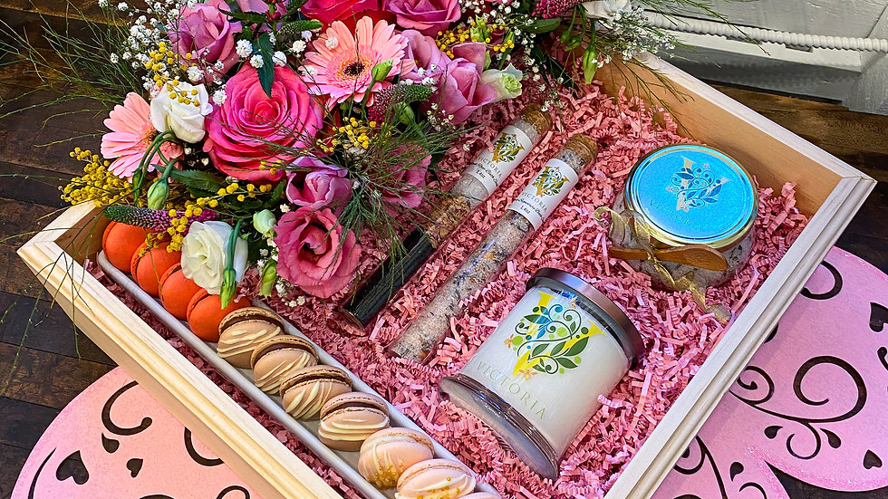 Deluxe Local Gift Box