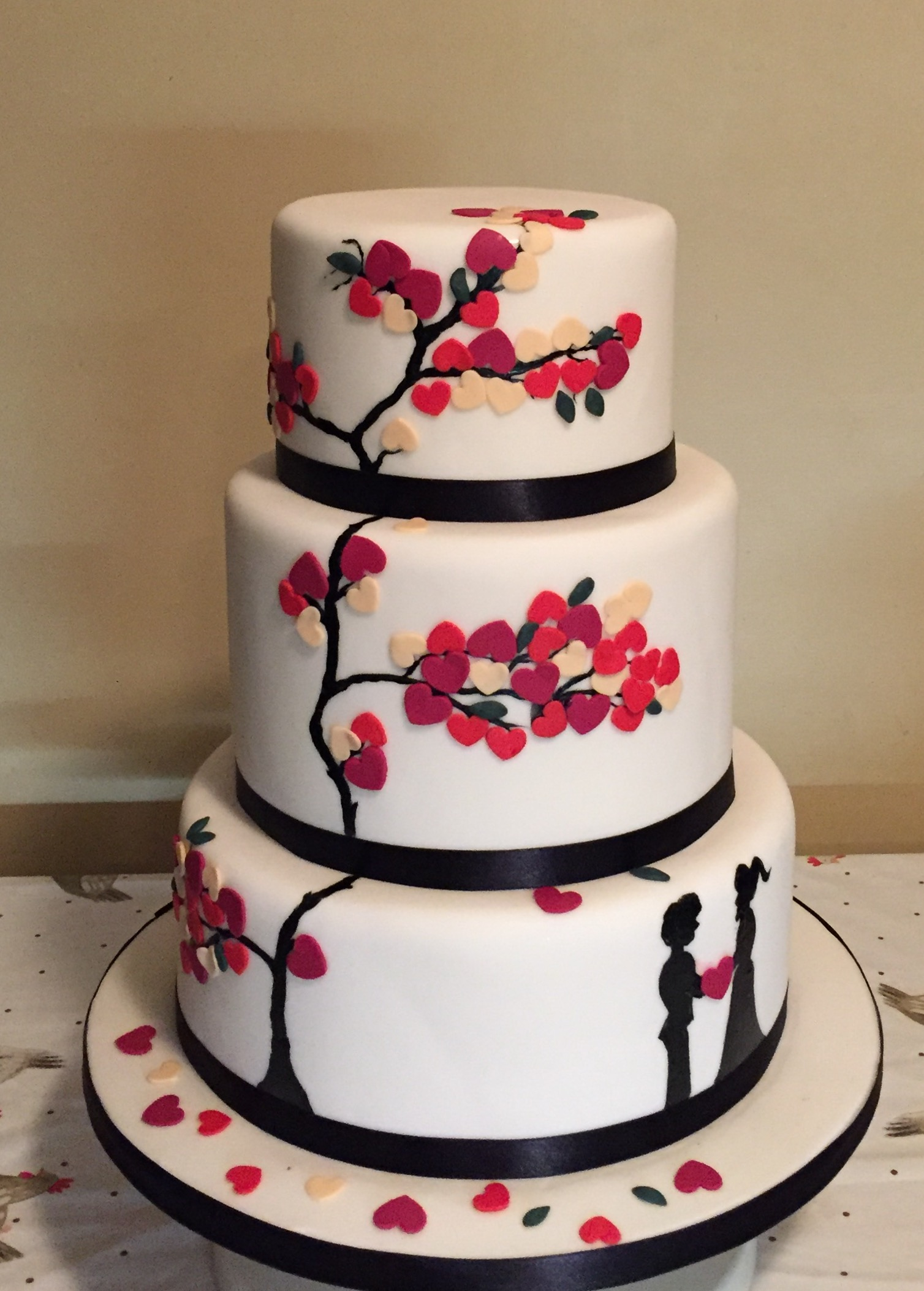 Heart tree wedding cake