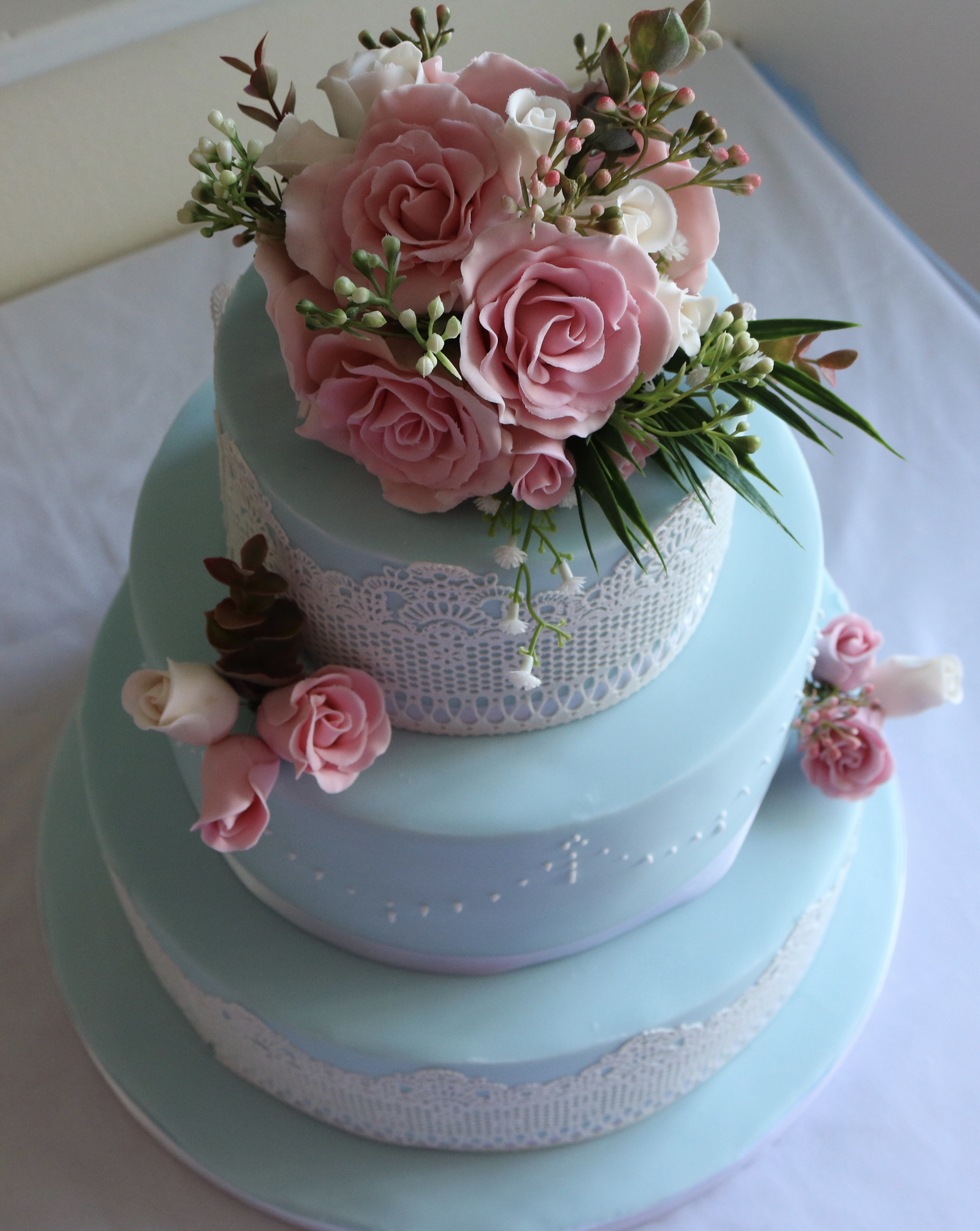 Floral and lace wedding cake