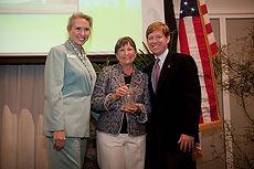 Lynn Thompson presents award at Mayor's Environmental Luncheon
