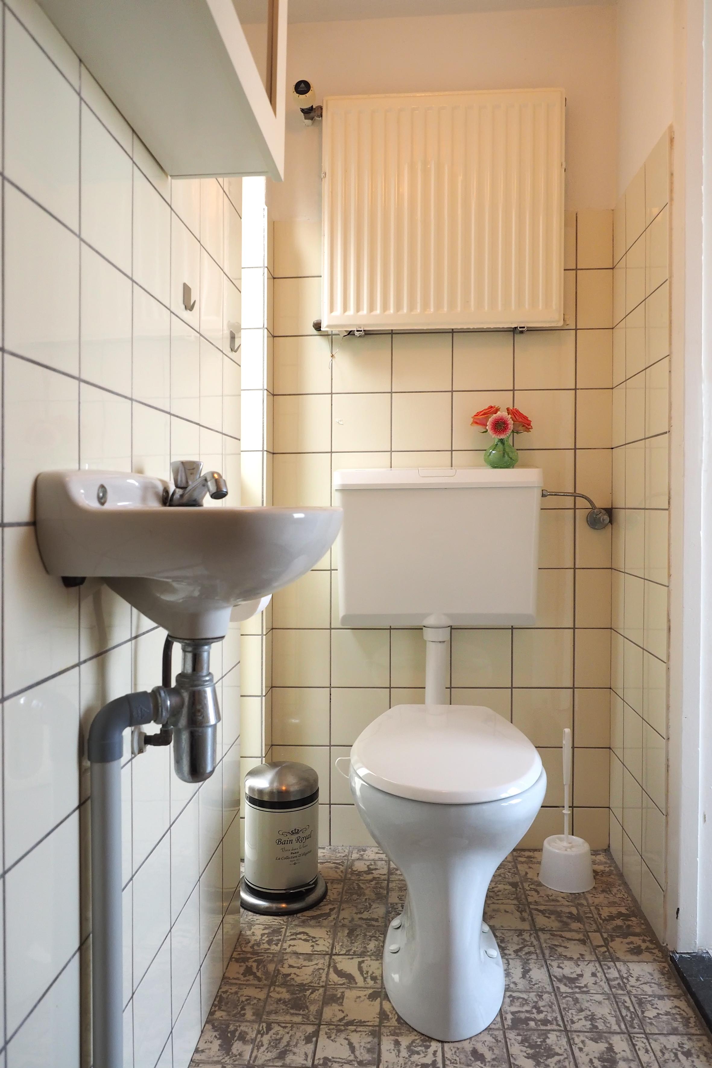 15 toilet