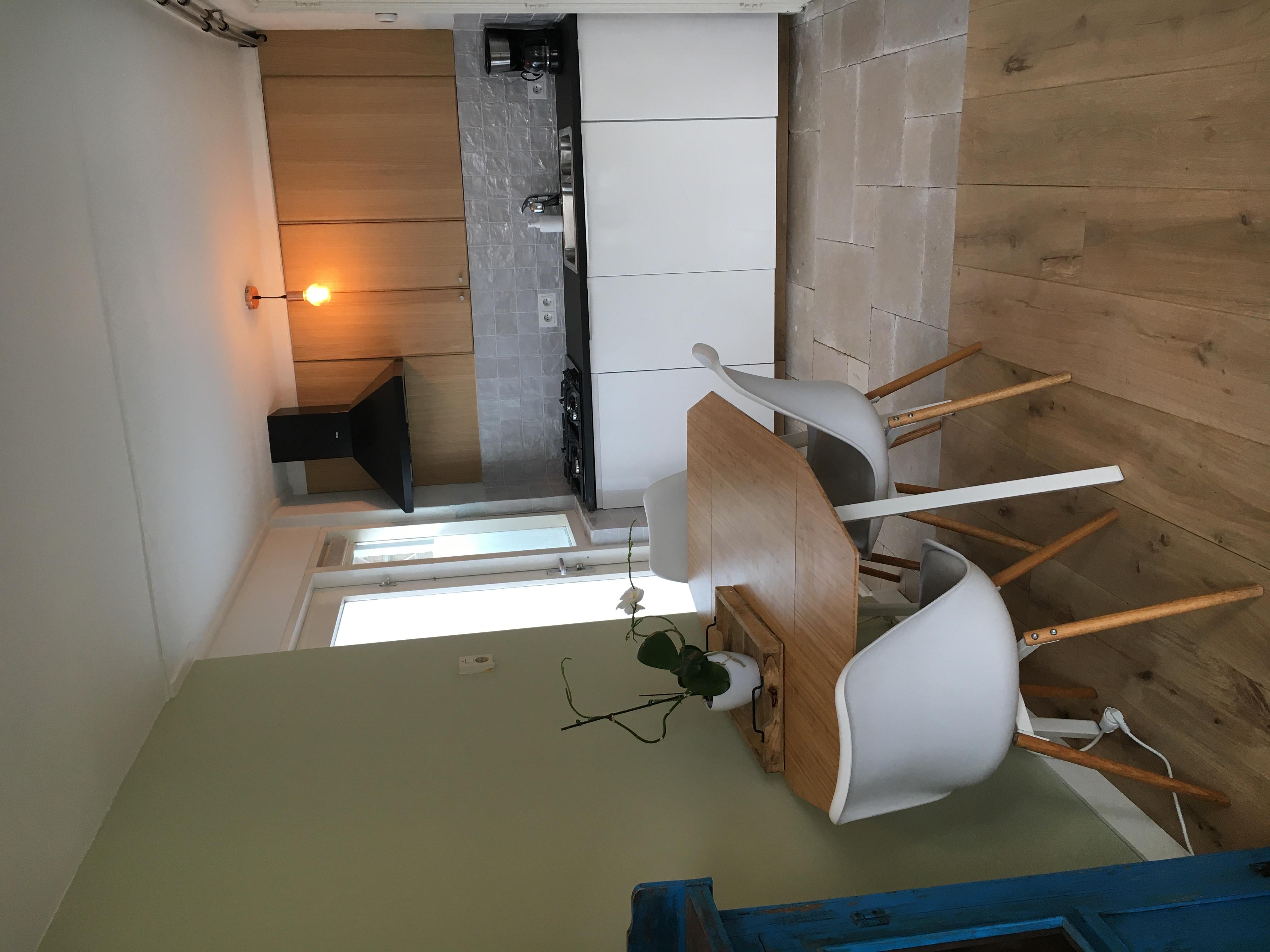N1 houten vloer en keuken nieuw