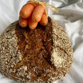 Karotten-Leinsamen-Brot