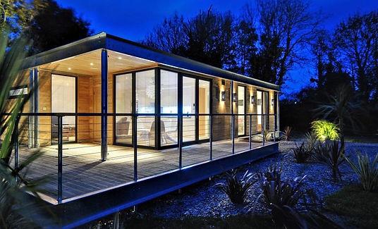 boutique-modern-the-edge-exterior3-via-s