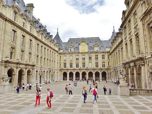 Université_de_la_Sorbonne_-_Cour_d'hon