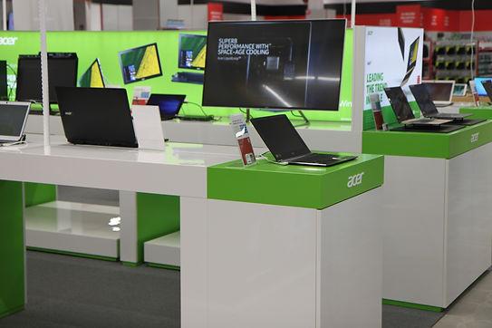 Acer shop in shop esittelyosasto suunnittelu ja toteutus