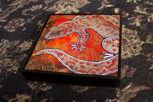 Gecko on Red and Gold