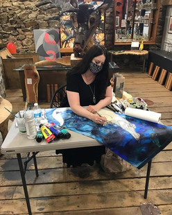 Artist Lynnette Shelley doing a demo during the Chester County Studio Tour