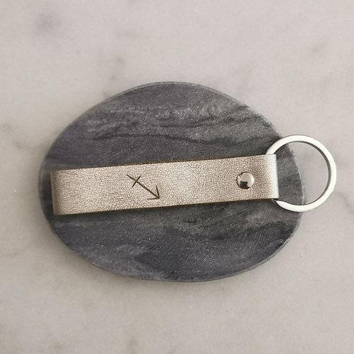 Echt-Leder Schlüsselanhänger mit Sternzeichen-Gravur div. Modelle