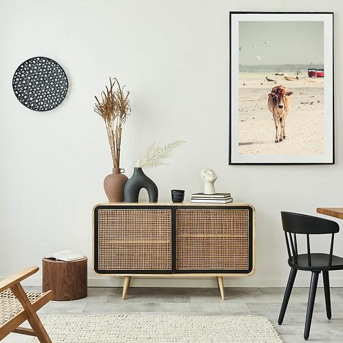 Premium Poster - Kuh am Strand Wandbild Wohnzimmer, Schlaf