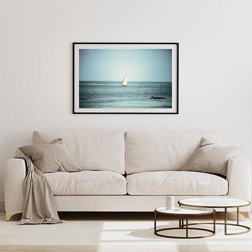 Boot im Meer (Blau) Wandbild Wohnzimmer, Schlaf