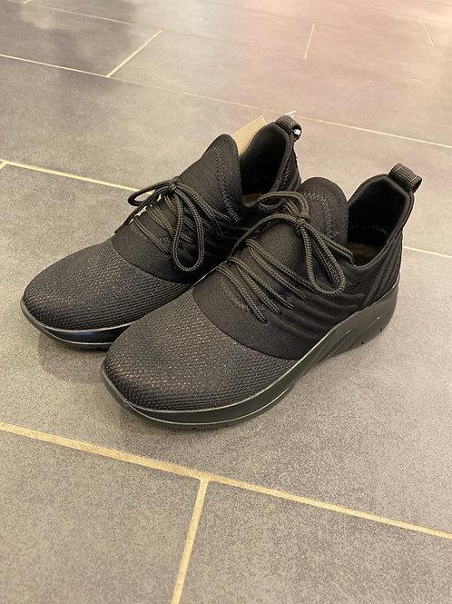 Remote Sneaker