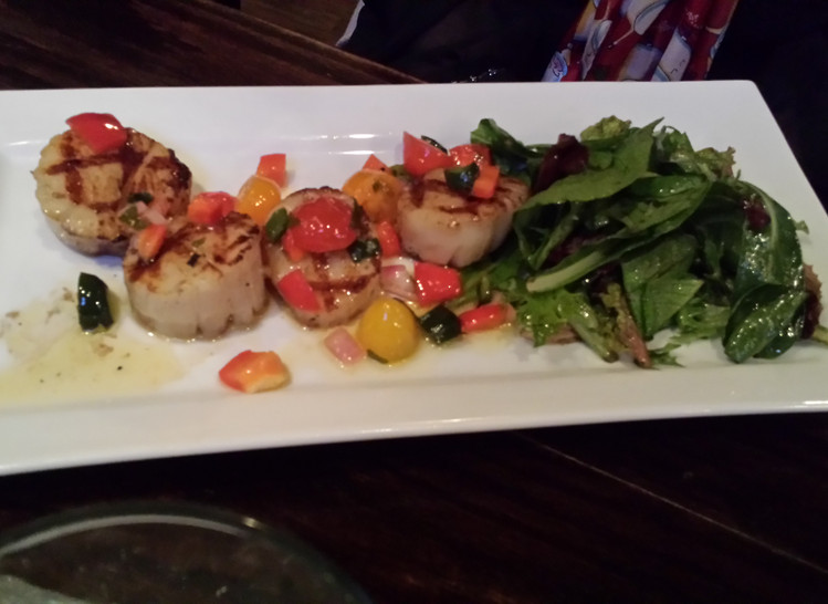 Pan Seared Scallops Topped With Argentine Relish