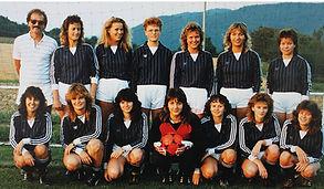1987_Fussball Damenmannschaft.jpg