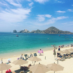 Beach time! #cabosanlucas #mexico #daytrippin #travel