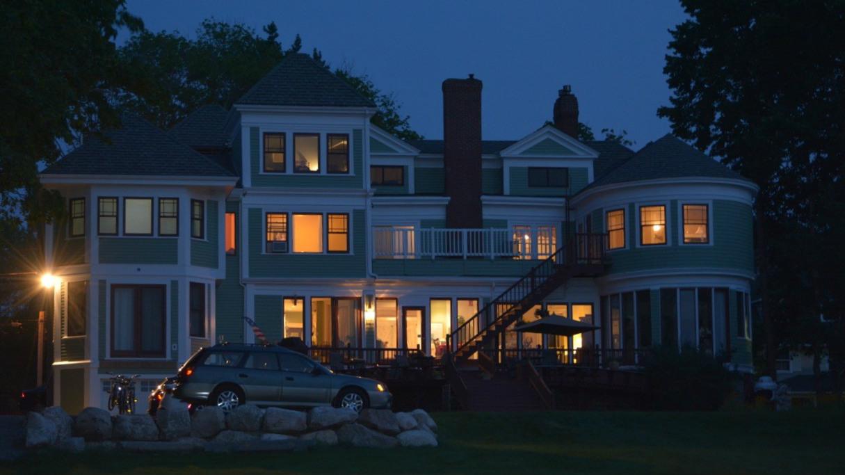 saltair inn at night 16x9