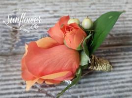 Botonniere rosa naranja.JPG