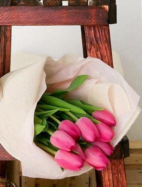 Ramo de tulipanes.jpg