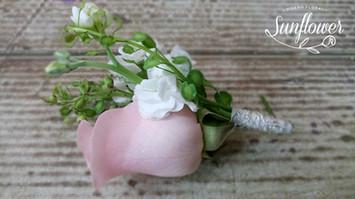 Botonniere rosa 2.JPG