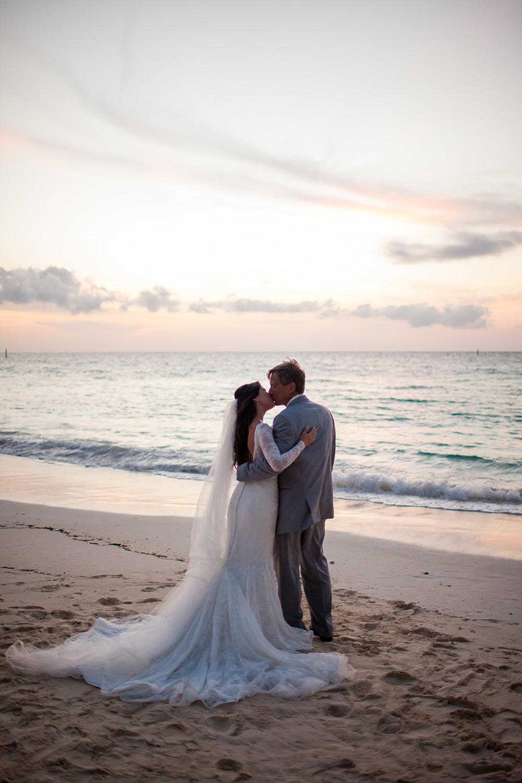 beach-wedding-old-fort-bay-27