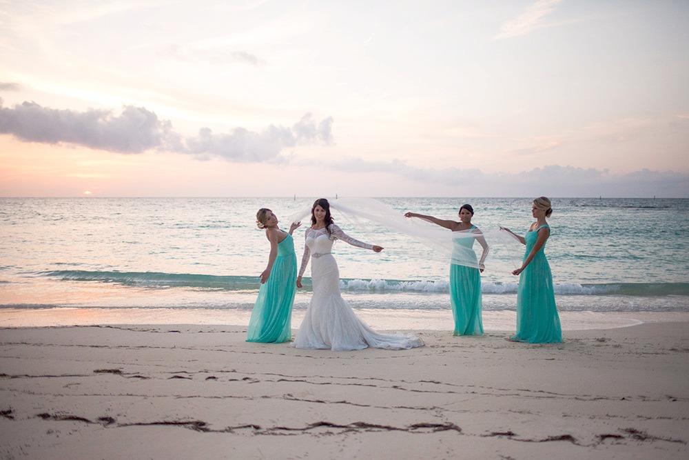 beach-wedding-old-fort-bay-24